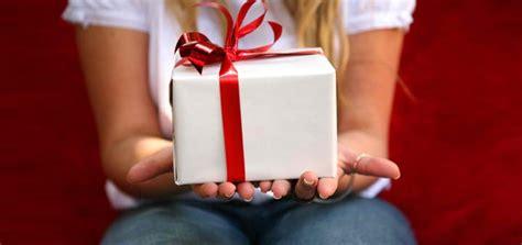sta su cuscini stai cercando dei regali di san valentino per lui