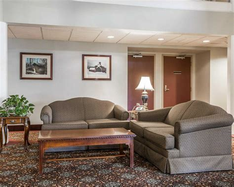 comfort inn montpelier vt comfort inn suites at maplewood montpelier vt