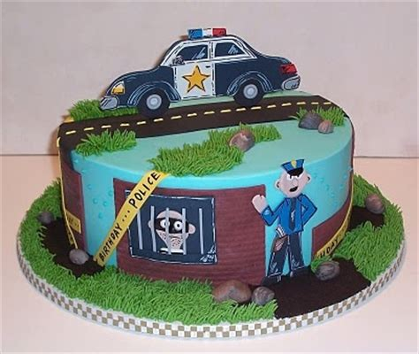 icing   cake cops  robbers cakes