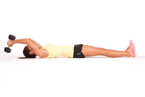 bench jackknife crunches 8 moves for flat abs that aren t crunches kayla itsines