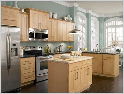 paint color maple cabinets kitchens with honey maple cabinets google search kitchen pinterest oak cabinets wall