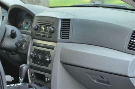 grey jeep grand interior sell used jeep grand 2005 laredo 4x4 suv no