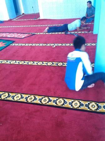 Karpet Polos Di Surabaya pemasangan karpet masjid di lanud surabaya hj karpet