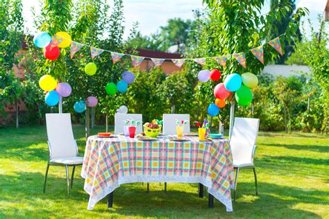 outdoor decorating 37 table decoration ideas for a summer garden party