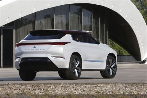 mitsubishi pictures mitsubishi gt phev concept pictures auto express