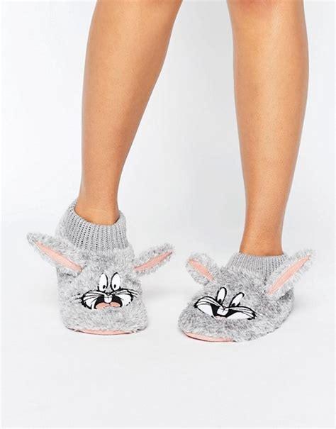 bugs bunny slippers undiz asteriz bugs bunny slippers