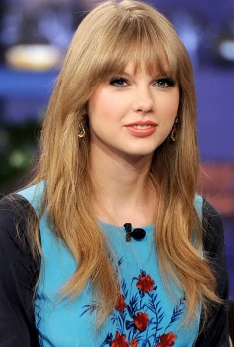 biography taylor swift family taylor swift favorite color movie animal sports tv show