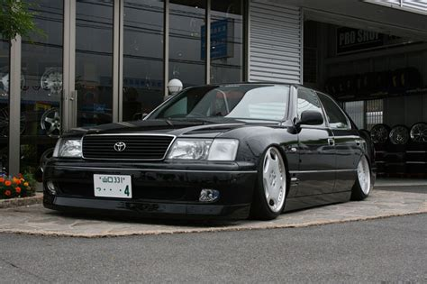 jdm lexus ls400 did the jdm 2nd ls400 come with integrated fogls