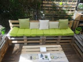 Deck And Patio Furniture Diy Recycled Wooden Pallet Deck And Furniture Recycled