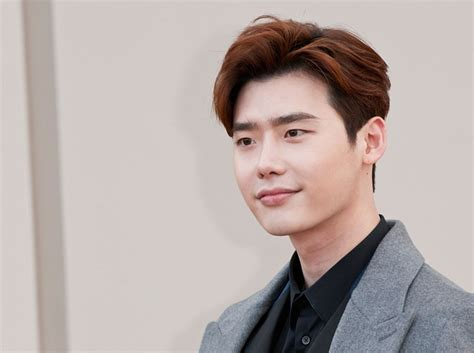 lee jong suk latest film upcoming drama 2017 while you were sleeping 당신이 잠든 사이에