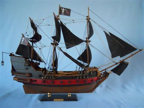 the queen s boat buy blackbeard s queen anne s revenge model pirate ship