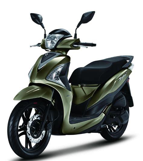 scooter pedana piatta sym symphony st ecco il nuovo scooter a ruote alte taiwanese