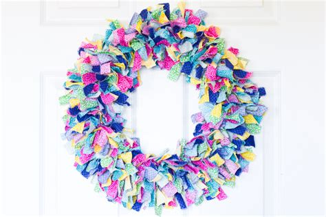 pattern for fabric wreath fabric rag wreath tutorial typically simple