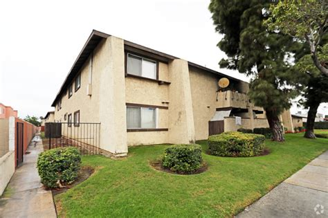 Garden Grove And Brookhurst Brookhurst Pines Apartments Rentals Garden Grove Ca