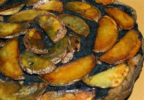 cucinare ortica pizza con ortica e patate ricetta
