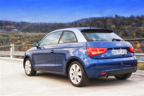 Audi A1 Scubablau audi a1 scubablau metallic eissilber metallic seitenansic