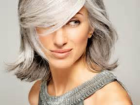 hairstyles for turning grey grey highlights while hair turning grey