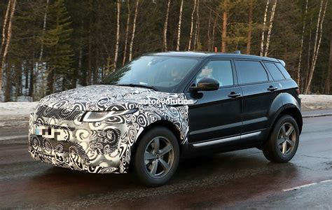 new land rover evoque 2019 range rover evoque phev to have fewest cylinders of