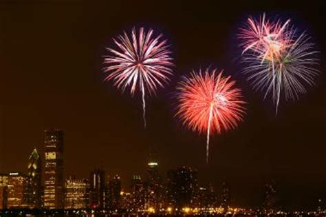 chicago fireworks new years navy pier 4th of july fireworks when to where to