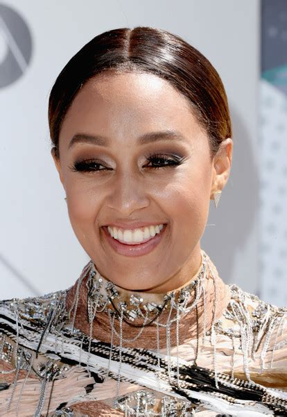 Mowry Hairstyles by Mowry Ponytail Hair Lookbook Stylebistro
