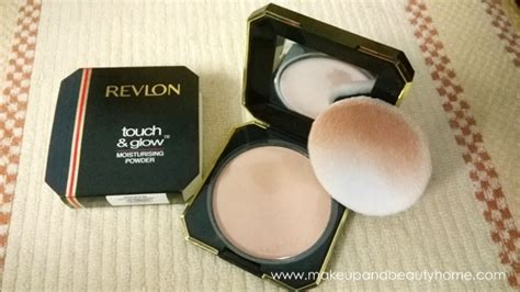 Revlon Touch And Glow Powder revlon touch glow moisturising powder review makeup