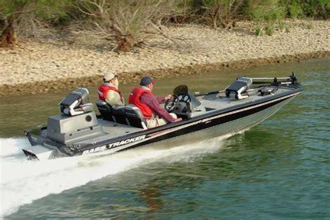 tracker boats jet boats specifications