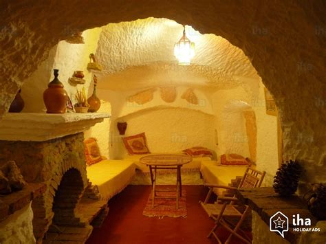 cave bedroom cave dwelling for rent in guadix with 2 bedrooms iha 44322