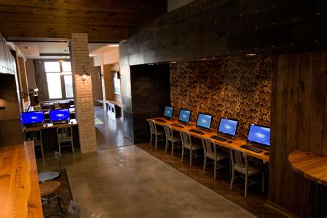 cyber cafe interior design pictures cyber cafe computers amenities pinterest cafes