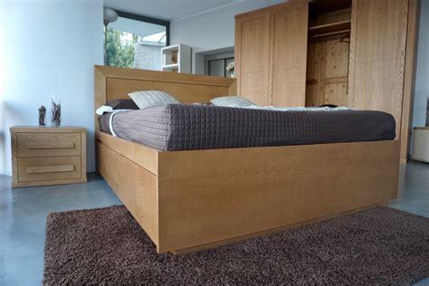 doppelbett mit schubladen doppelbett mit sechs schubladen betten sofas m 246 bel