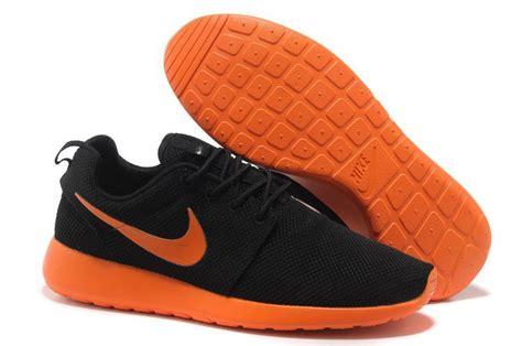 orange breathtaking trainers black nike shoes tastes roshe