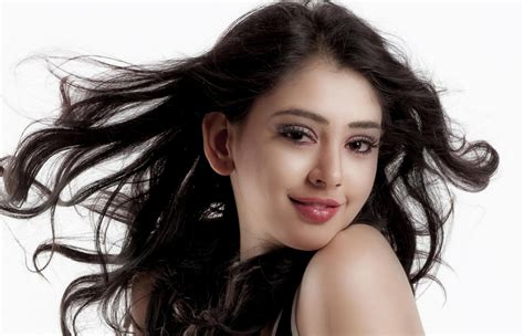 yaariyan movie actor name niti taylor biography wiki profile age films tv