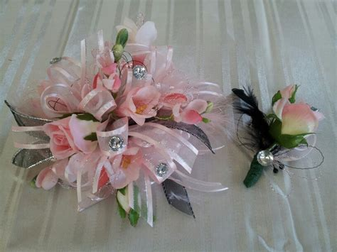 2015 prom corsage trends prom wrist corsage prom trends for spring prom wrist