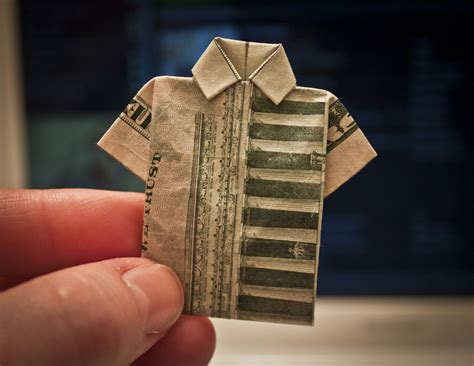 Shaped Dollar Bill Origami - looking for ways to fold money here are some interesting