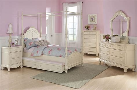 poster bedroom sets with canopy cinderella youth canopy poster bedroom set from