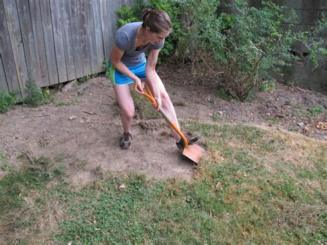 Digging In Backyard by Diy Network Digging Space For The New Flagstone Patio