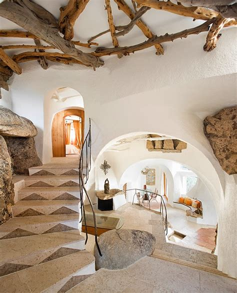 Handmade House - the wonders of living in an underground house
