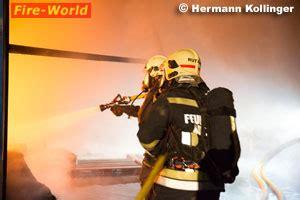 Gasflasche In Der Wohnung Erlaubt O 246 Alarmstufe Iii Bei Hallenbrand In Traun