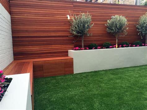 B Q Railway Sleepers by Best 25 Grass Ideas On Artificial Grass B Q Back Garden Ideas Without Grass