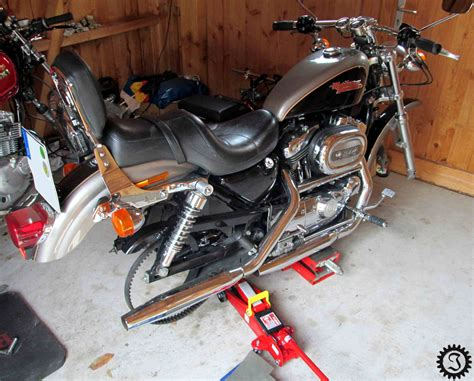 Motorrad Reifen Quietschen by Harley Davidson Antriebsriemen Wechseln Motorrad Bild Idee