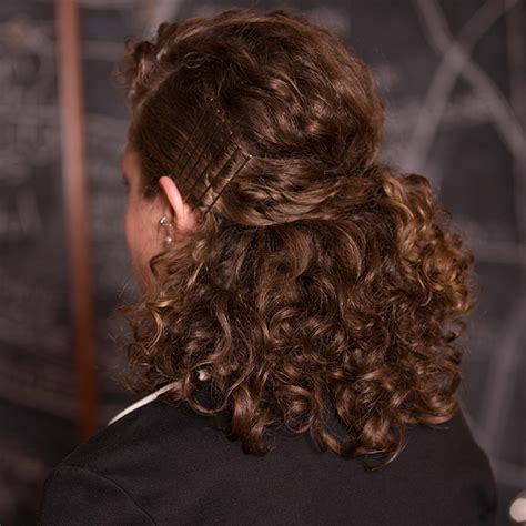Hairstyles For Professionals by Top 8 Curly Professional Hairstyles You Can Wear To Work