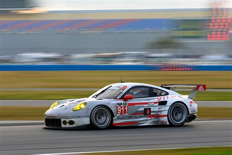porsche contact number porsche 991 rsr chassis records