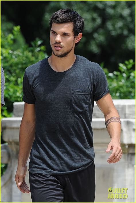 Tracers Background Check New Candids Of Lautner On Set Of Tracers June