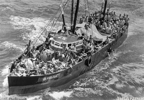 a flood of cuban migrants the mariel boatlift april - Boat Lift Cuba