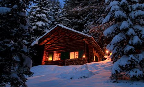 einsame hütte im schnee mieten tonnerh 252 tte winterurlaub und skiurlaub auf der alm am