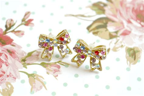 Bow Giveaway - rhinestone diamante gem bow stud earrings giveaway