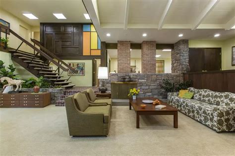 famous tv   homes    real