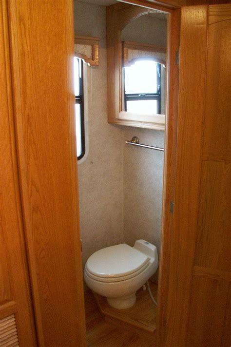 Luxury Motorcoach 6 Interior Pictures