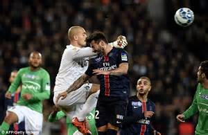 The Slighly Belated Shoegaga Winner by Psg 1 0 St Etienne Edinson Cavani Nets Late Winner As