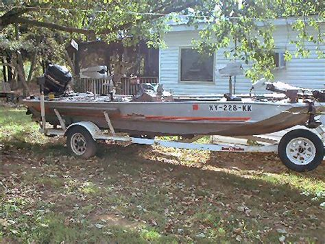 bass tracker boats for sale ky 1984 17 foot basstracker bass boat fishing boat for sale