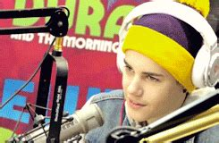 justin bieber interview gif justin bieber gif find share on giphy